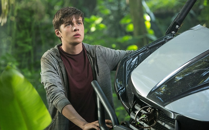 nick-robinson-jurassic-world