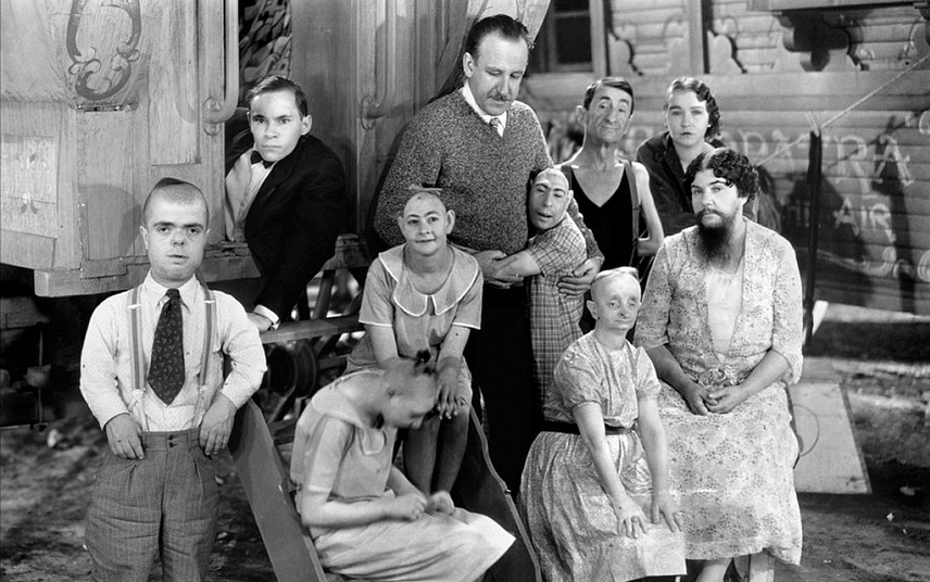 film-la-monstrueuse-parade-tod-browning-1